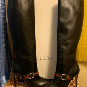 Gucci boots in very good condition